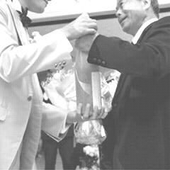 結婚式で両親にお酒をプレゼントする実績写真1-1